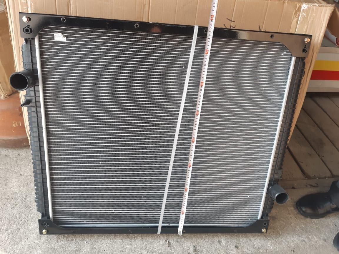 Радиатор  HOWO  371 л.с  WG9719530230